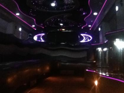 Light up your night with our light shows featured within our limos!